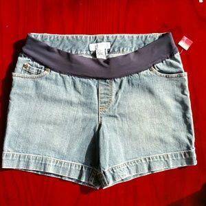 Liz Lange maternity denim shorts